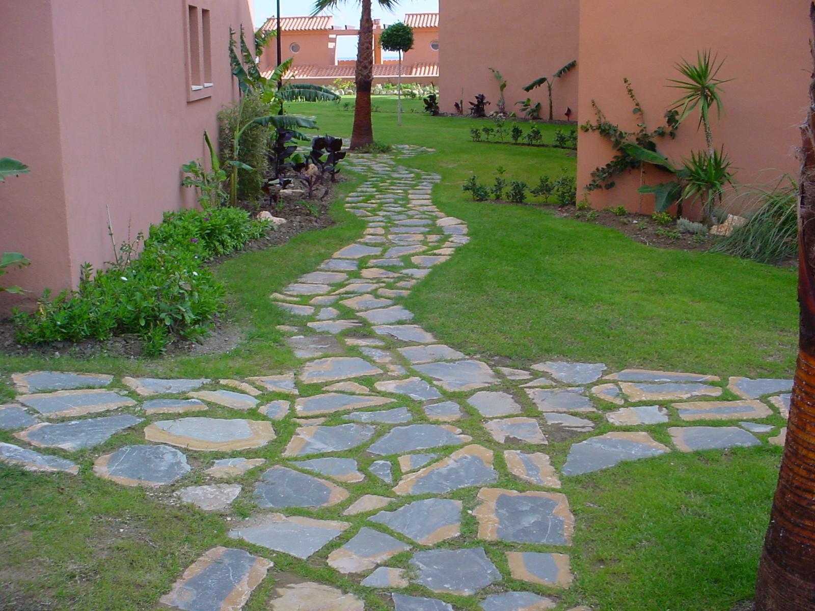 Piedras para caminos de jardin resultado de imagen para - Camino de piedras para jardin ...
