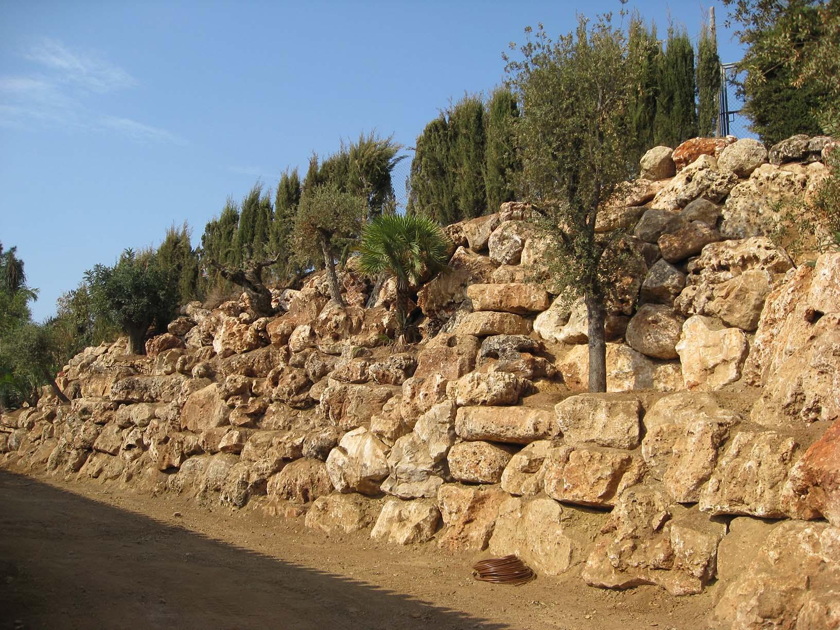 Tipos de muros de piedra muro de piedra cantera with - Como hacer muros de piedra ...